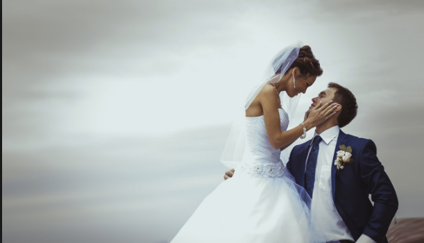 How Can You Become A Professional Wedding Photographer?
